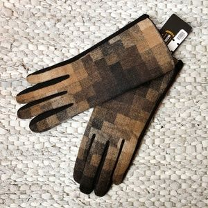 Accessories - NWT Brown Patterned Gloves, Touchscreen-Friendly
